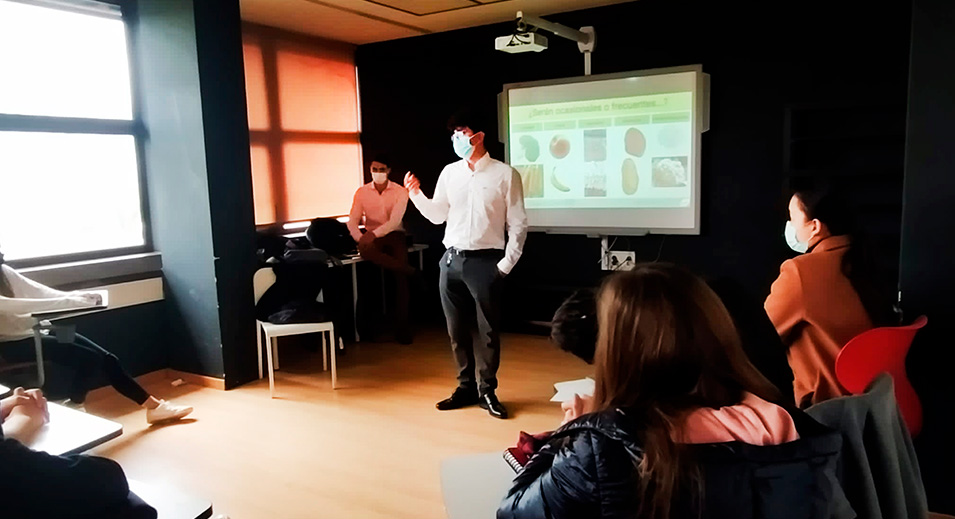 Dr. Cristian Didier, asesor de CreaNova como dietista y nutricionista - 2021 - Col·legi CreaNova Sant Cugat del Vallès (Barcelona)